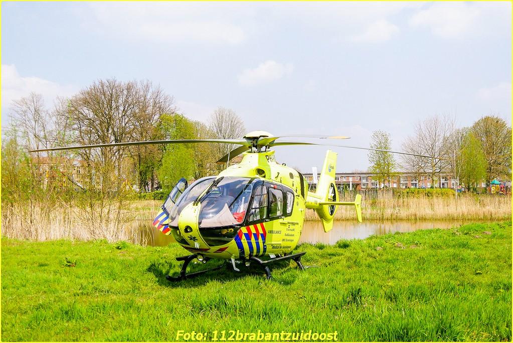 Lifeliner3 opgeroepen voor assistentie ambulance Helmond ..