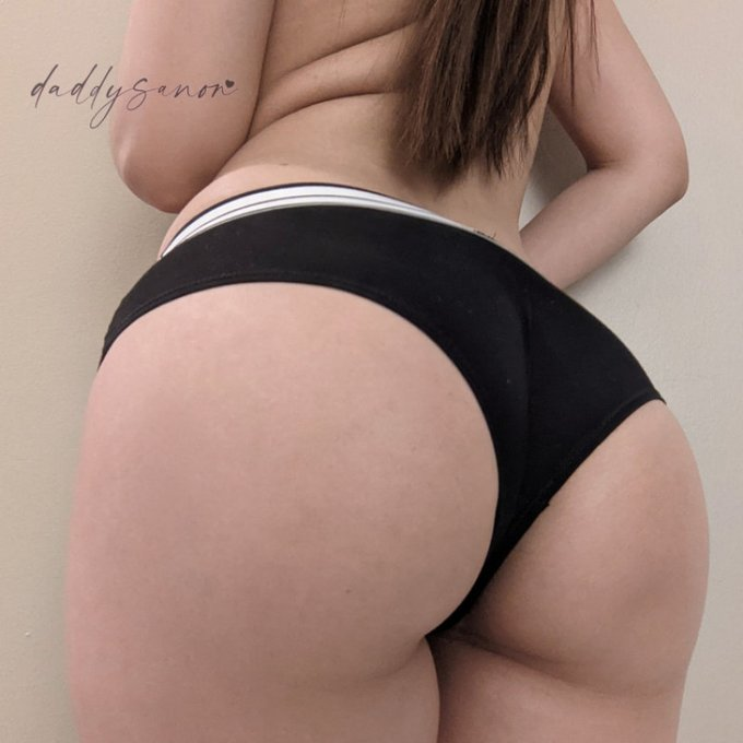Yay! I just sold my Store Item: Black and White Boyshort Panties! Check it out here https://t.co/onC5sBjfZy