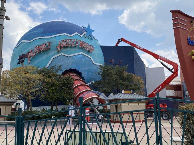 Le développement de Disney Village - Page 7 Ezf5SU9WQAEsfKD?format=jpg&name=small