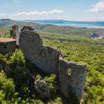 Image for the Tweet beginning: Discover Croatia's hidden historical gems