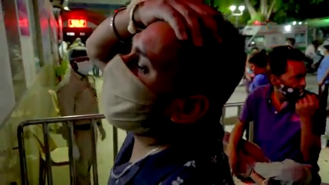 I cry for the India 🇮🇳. Brutal epidemic ravaging the country, and hospitals are completely overwhelmed. A staggering 300,000 cases—and possibly 10x underdiagnosis means maybe ~3 million actual cases a day. #COVID19   https://t.co/7M9P6P78HV