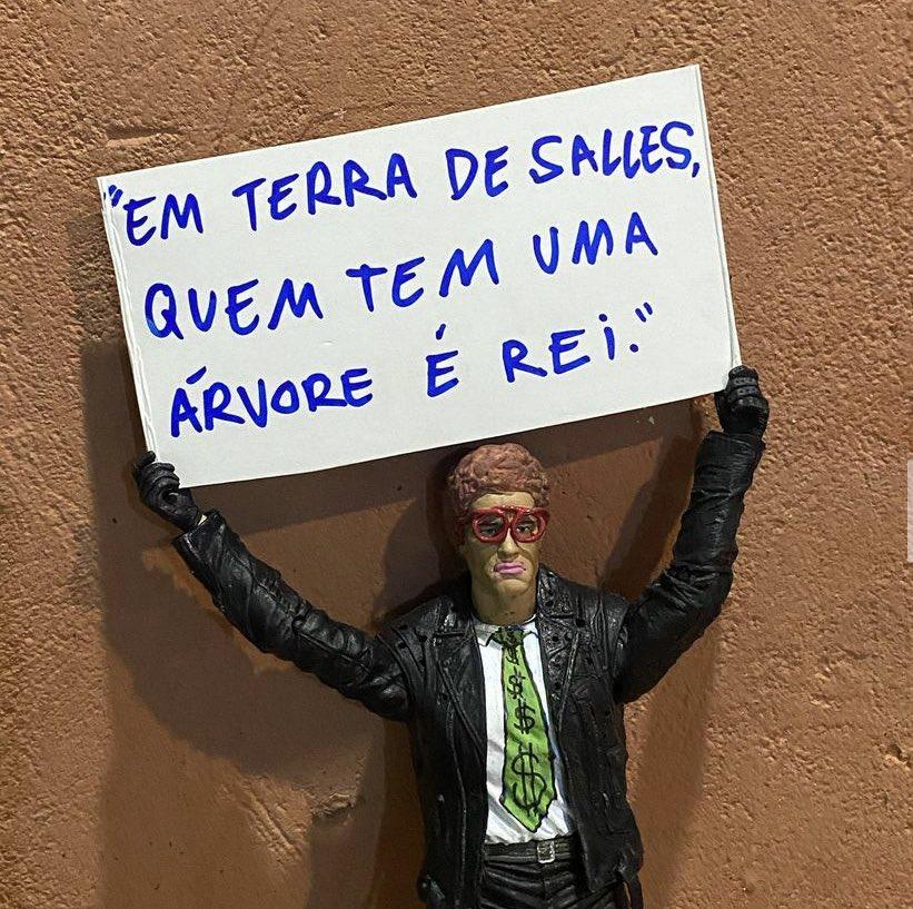 #forasalles https://t.co/bQskqpoZ5p