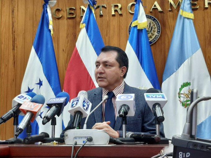 Diputado Ponce: reglamento del congreso establece una comisión de traspaso