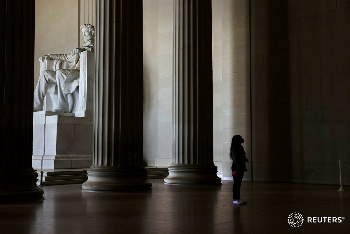Tourists visit the Lincoln Memorial in Washington. Photo by @evelynpix