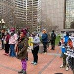 Image for the Tweet beginning: В центре Миннеаполиса проходят мирные