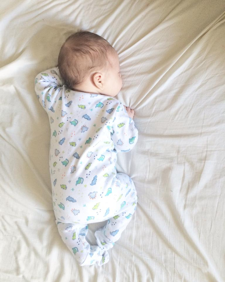 A little sleeping update and why I decided to mix feed my breastfeeding baby at 10 months https://t.co/xEqBTphQPy https://t.co/hWEnPpTbnZ