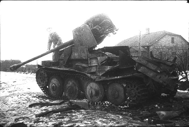 RT @Tank_Archives: Destroyed Marder III tank destroyer, Kalinin Front, 1942. #tanks #history #ww2 https://t.co/1rPfy5zP8b