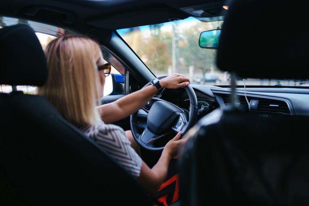 Sifo: Kvinnor i yngre medelåldern är de bästa bilförarna https://t.co/IaqCS03awJ https://t.co/jGxTi1jMtW