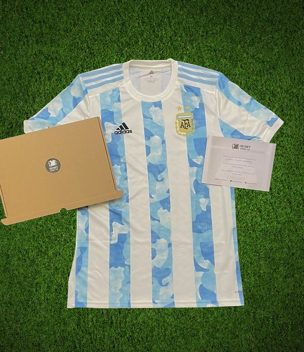 If Kelechi Iheanacho scores first vs West Brom tonight, we'll giveaway a https://t.co/0dDyzv85B2 box.   To enter:   🔃 Retweet this tweet 🤝 Follow us.  Good luck! 📦 https://t.co/cUTeEj1hyR