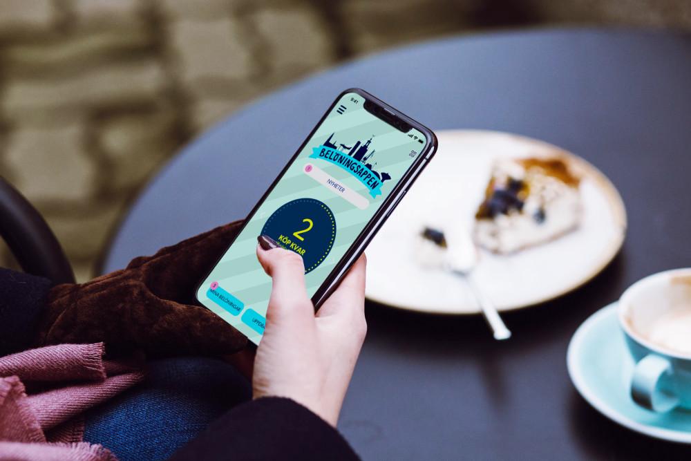 Nu lanseras Cityplay - appen som ger dig belöning när du handlar lokalt i Eskilstuna! Shoppa, fika, ät och ta del av #Eskilstunas nöjen. #cityplay #handlaföreskilstuna https://t.co/IDF3n0R9f0 https://t.co/t1Es8cJAzE