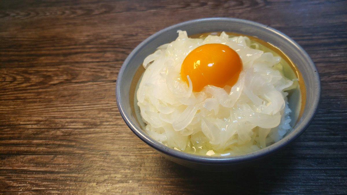 この食べ方も美味しそう!新玉ねぎを使った卵かけご飯!