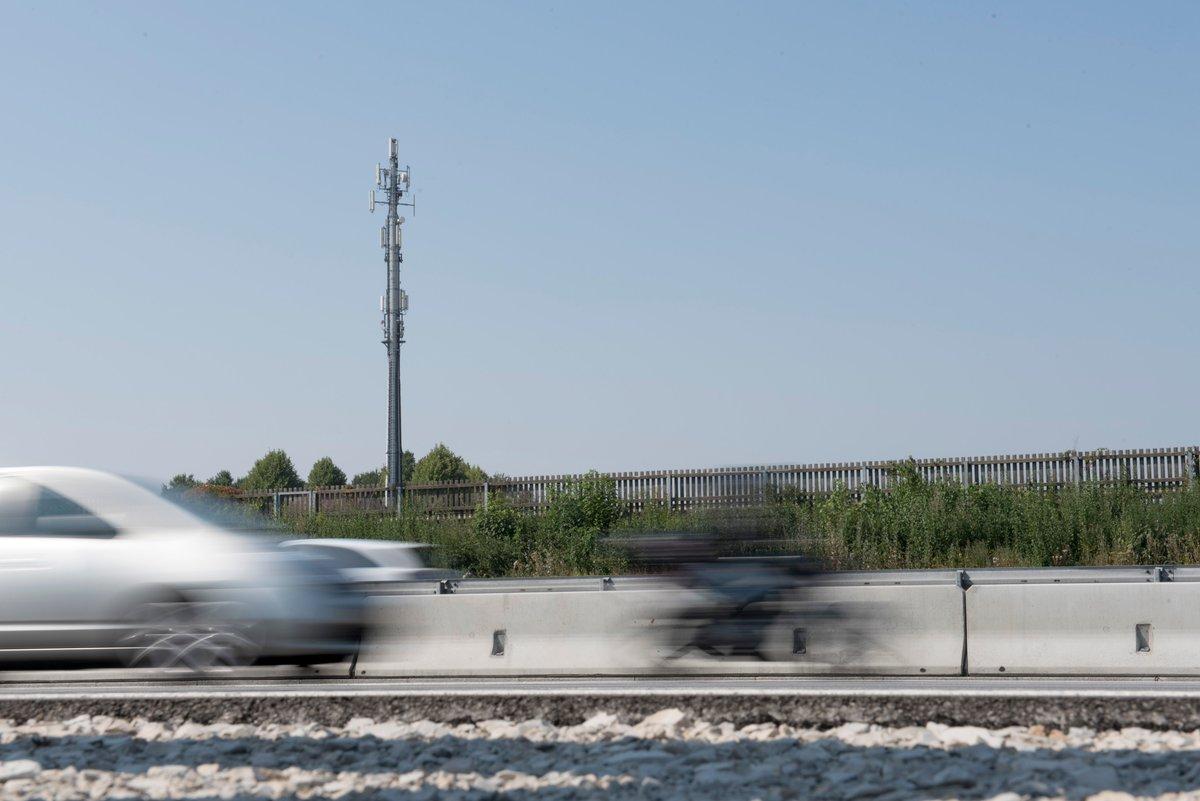 #Mobilfunk-Versorgung im #LandkreisAmmerland ist jetzt noch besser. #Telekom hat dafür 18 Standorte mit #LTE erweitert und Versorgung entlang der Autobahn verbessert. #BadZwischenahn #Edewecht #Rastede #Westerstede #Wiefelstede #Dabei #Telekomwall https://t.co/s8nAIyYi6I