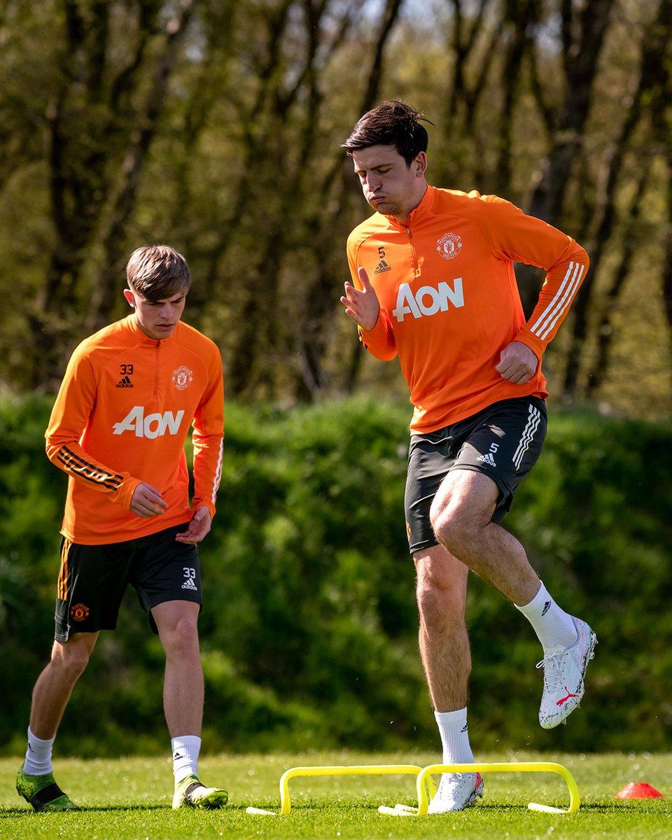 Training hard for the weekend 🏃♂️  #MUFC #LEEMUN https://t.co/5pI6DERMTL