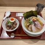 Image for the Tweet beginning: 人気店攻略、美味い。 #麦と麺助 #燃えよ麺助 #中津