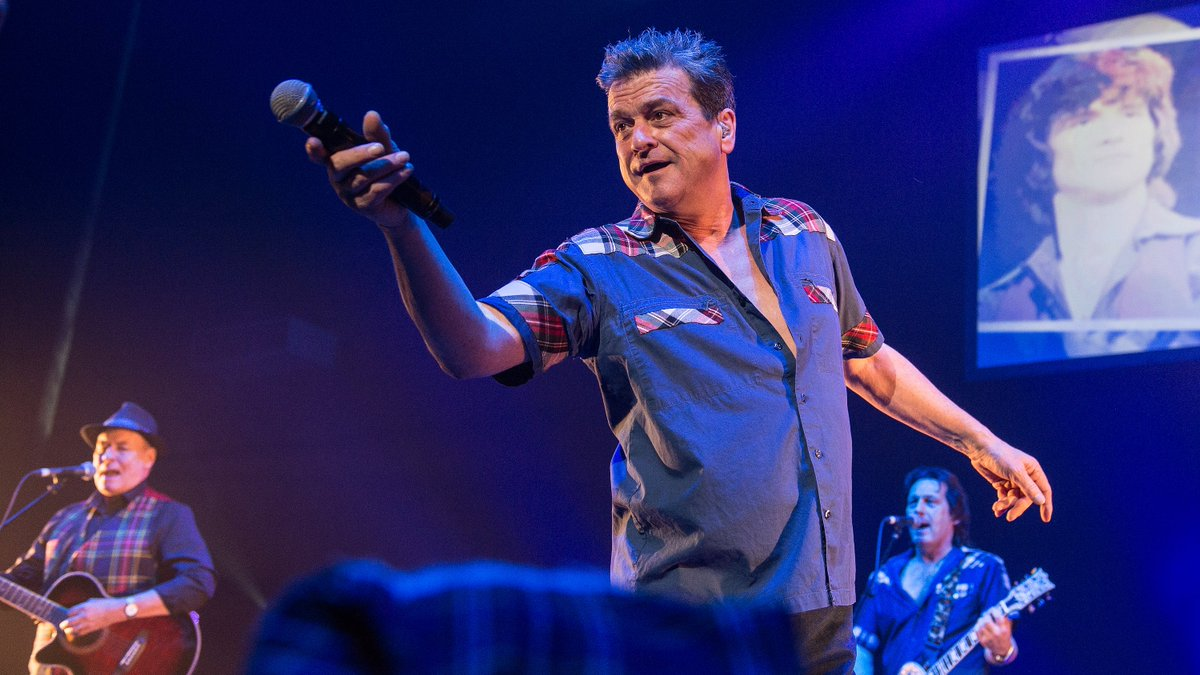 The Bay City Rollers frontman Les McKeown has died at the age of 65. Music promotor Donald MacLeod: He was Mr Rock & Roll... they sold 100 million records in the 70s, they were bigger than One Direction. @mrmarkdolan
