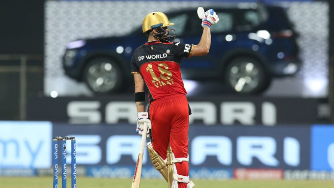 Kohli becomes first batsman to reach 6000 runs in IPL