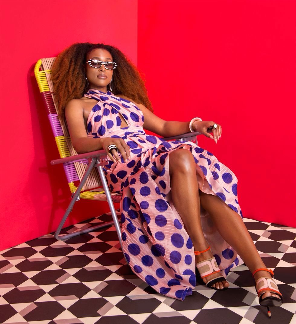 RT @PG13Reynolds: I'm not waiting for Friday > Friday is waiting for me... Issa Rae via Cosmopolitan #FridayFeeling https://t.co/r66A47GLfL
