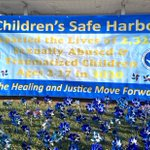 Image for the Tweet beginning: Today @childrens_safe installed 2322 #pinwheels