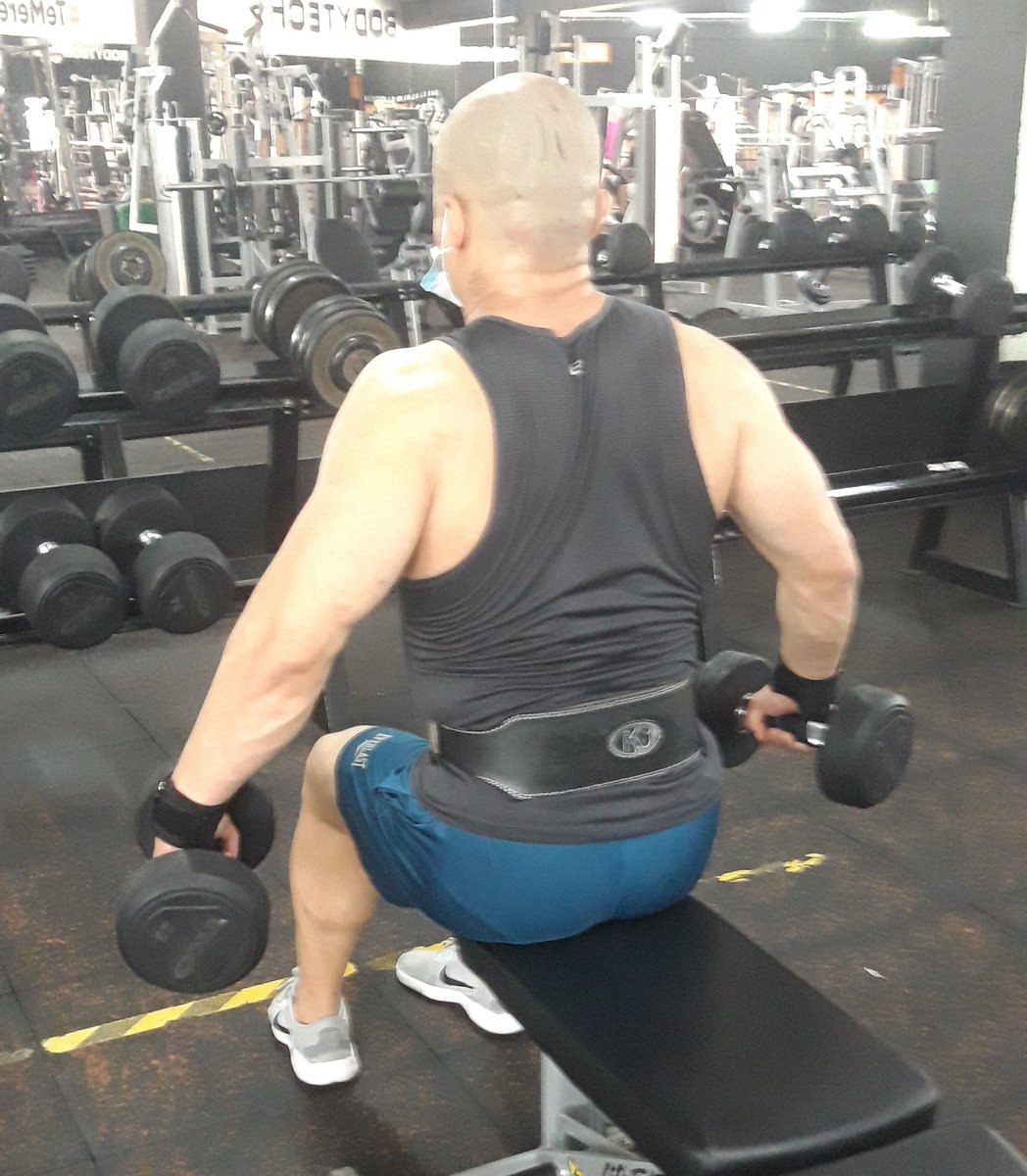 It's simple work hard and be consistent💪💪💪💪💪 Es simple trabajar duro y ser consistente💪💪💪💪💪  #gym #muscle #motivation #discipline #fitness #happy #shoulders https://t.co/jirVwYW5I5