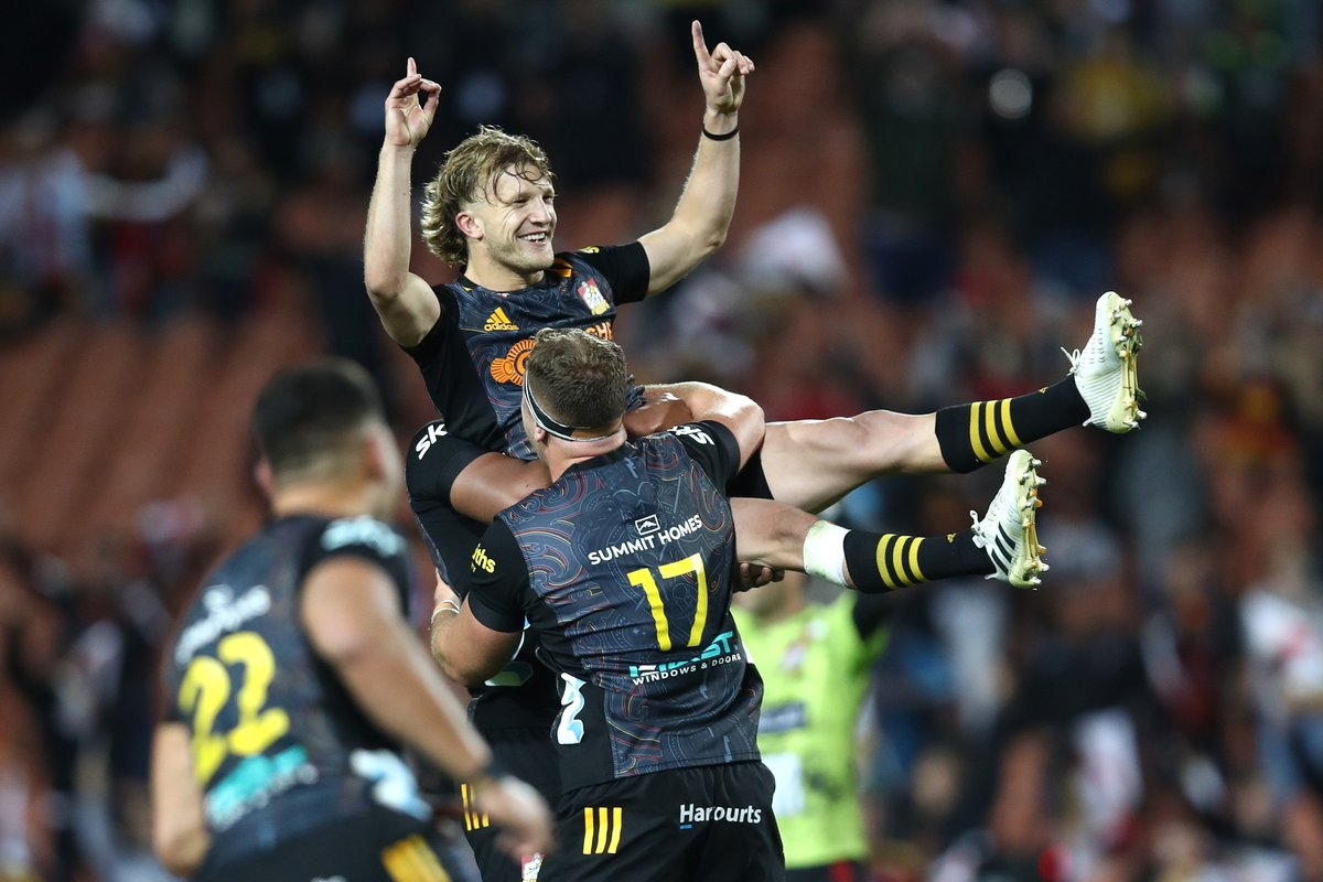 "test Twitter Media - ""Jeez, he's good isn't he?"" - @brad_weber9  Damian McKenzie coming in clutch once again for  @ChiefsRugby 🎯  #SuperRugbyAotearoa #CHIvHUR https://t.co/ToGQ6MWbYM"