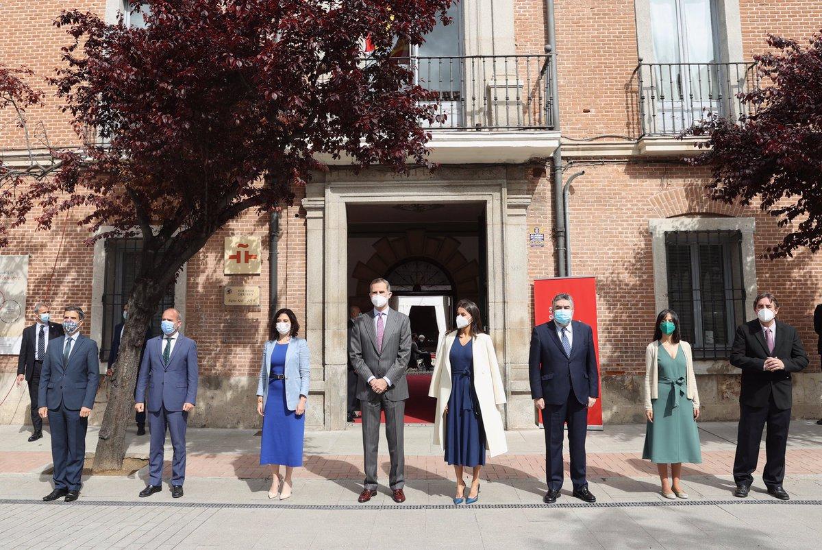 Casa De S M El Rey On Twitter Los Reyes En Alcalá De Henares Para Presidir El Acto Con Motivo Del Día Internacional Del Libro Que Se Desarrolla En La Sede Del Instituto