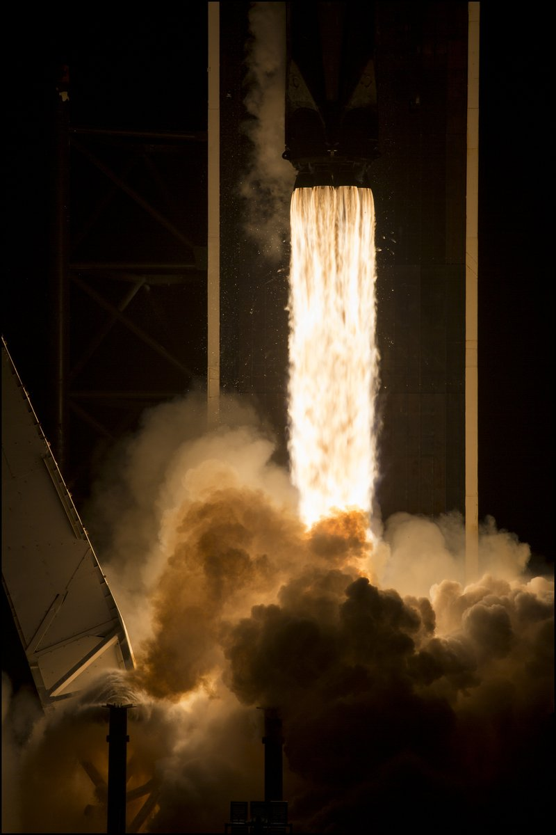 #Space 🌌 Awesome of the Day ⭐ ➡️ Photos of the launch of the #Crew2 @NASA @ESA Mission on @SpaceX's #Flacon9 Rocket from @NASAKennedy via @nasahqphoto #SamaSpace ➡️ View More #SamaCollection 👉 https://t.co/Kugls3IJqU