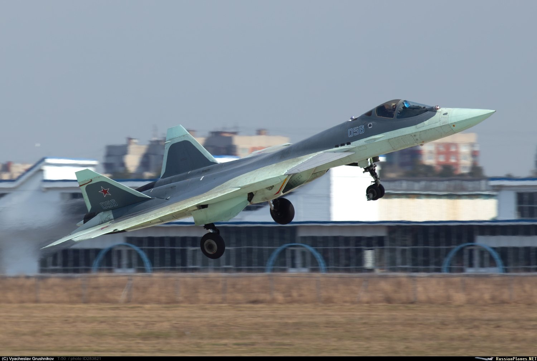 Su-57 Stealth Fighter: News #7 - Page 20 Ezr23sCXoAQyuzI?format=jpg&name=large