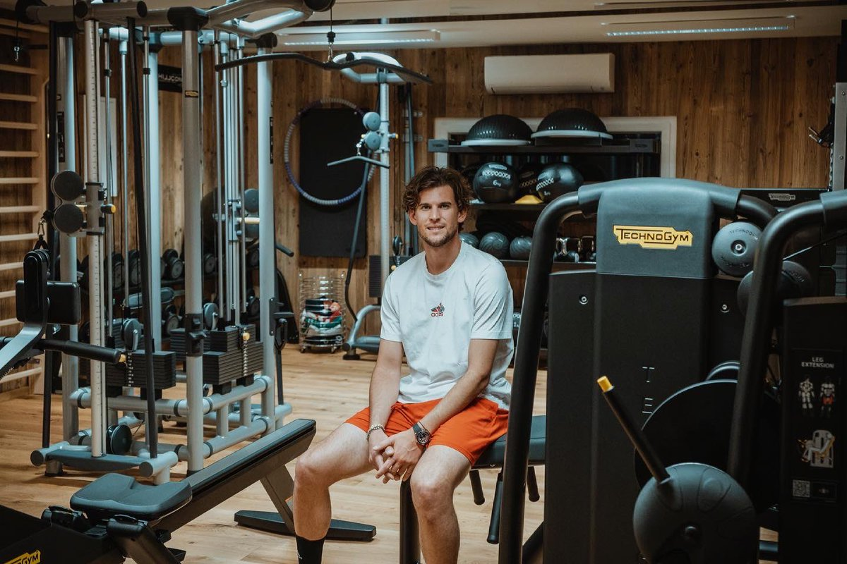 back to training!  Together with @Technogym_AUT we created the perfect gym for me! @Technogym #technogymaustria https://t.co/jSyeUGkQDK