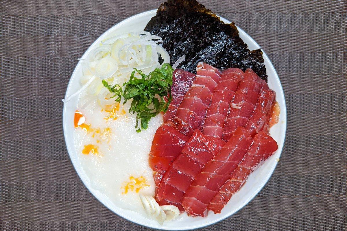 【マグロ山かけにんにく漬け丼】めんつゆとニンニクのタレが美味しすぎる。