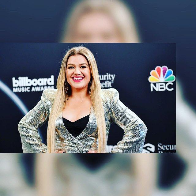 Happy Birthday Kelly Clarkson