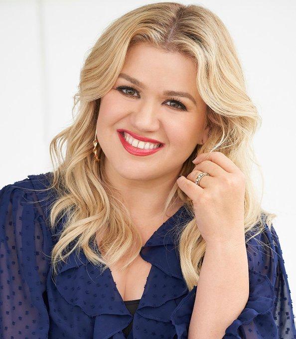 Happy Birthday to the lovely Kelly Clarkson