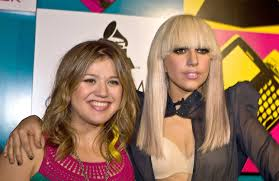 Happy birthday to the American idol and future superbowl half time show performer Kelly Clarkson