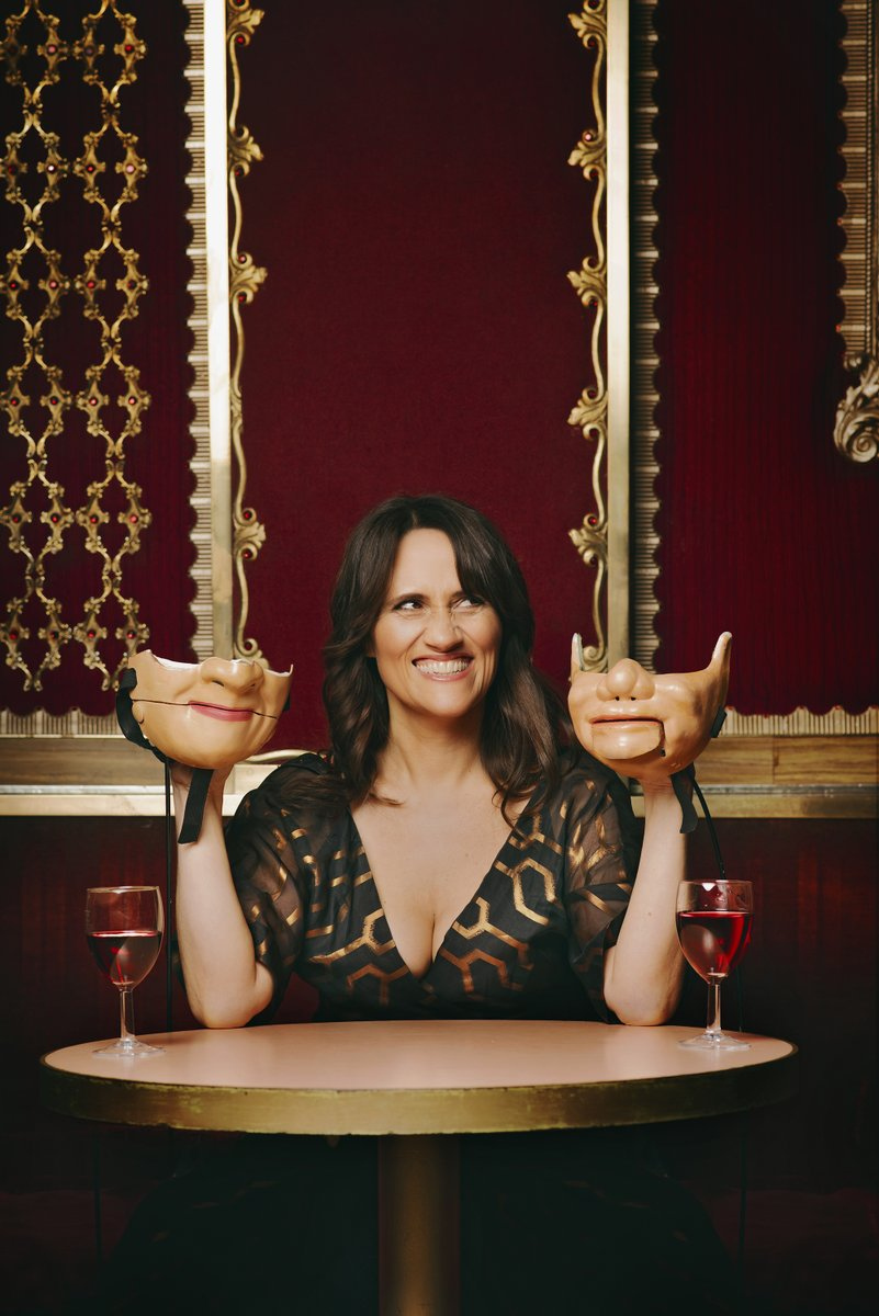 ✅ British Comedy Award winner ✅ BAFTA-nominated film-maker ✅ Make mask-wearing funny 🟩 Romantic match-maker? 2⃣6⃣ days until we found out, when @ninaconti hits the road on tour with 𝑵𝒊𝒏𝒂 𝑪𝒐𝒏𝒕𝒊: 𝑻𝒉𝒆 𝑫𝒂𝒕𝒊𝒏𝒈 𝑺𝒉𝒐𝒘 Tickets: ninaontour.com