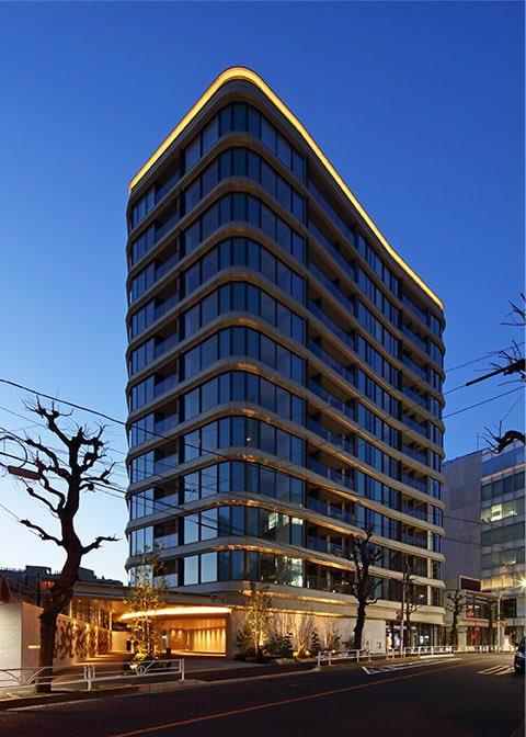 プラウド代官山フロント&テラス|建築デザイン|  曲線使った特徴的な外観デザイン。やはりカッコ良い。