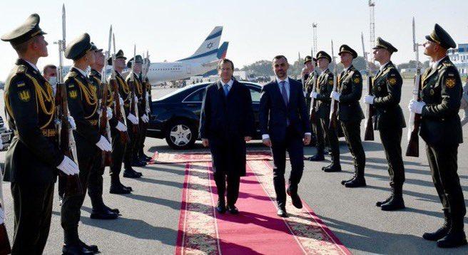 بعد وصوله الى كييف، في اول زيارة رسمية لرئيس الدولة @Isaac Herzog تلبية لدعوة