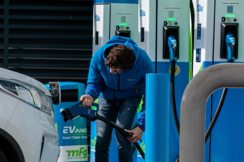Three battery electric cars sold for every one new diesel car in September - RAC reacts to today's @SMMT figures https://t.co/eDTEzNXUGP https://t.co/u1EVDn0Emj
