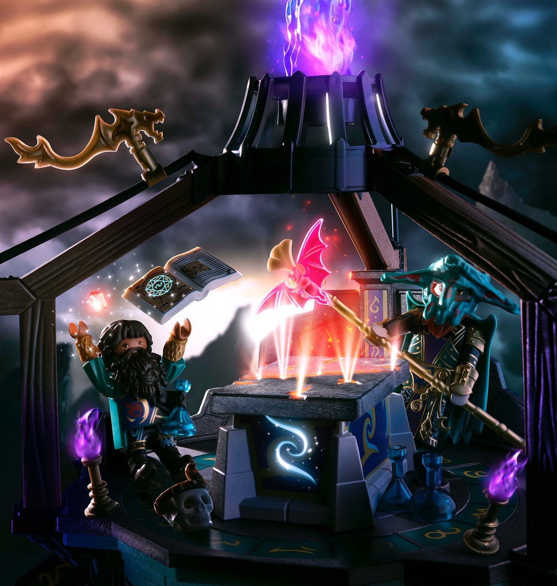 What do you think: Did the two dark wizards Umbrathor and Vermithor conjure up the failure of Facebook, Instagram and WhatsApp in their magical demon portal last night? 🤨  Novelmore fans know that they usually summon scary demons! 👹  #PLAYMOBIL #Novelmore #VioletVale https://t.co/4ZUsfZRexX