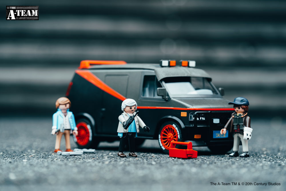 What a cool gang with their van! #ateam Who has already pre-ordered?  #PLAYMOBIL #PLAYMOBILateam #theateamvan https://t.co/yJMYbDep5i