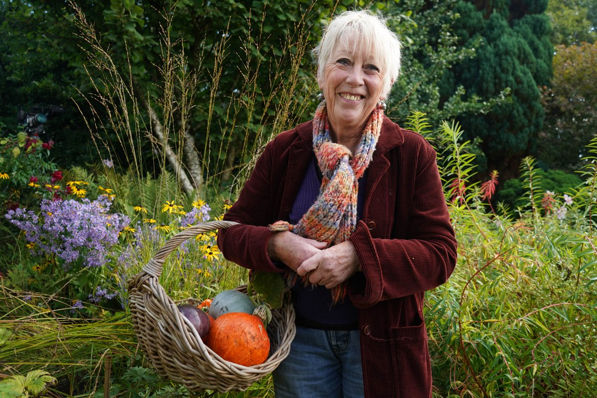 The latest episode of Autumn Gardening With Carol Klein is now available on #My5 🍎🌽🥕🍅 📺➡️ my5.tv/autumn-gardeni… The brand new series continues Thursdays at 7pm on @channel5_tv #Autumn #Gardening #CarolKlein