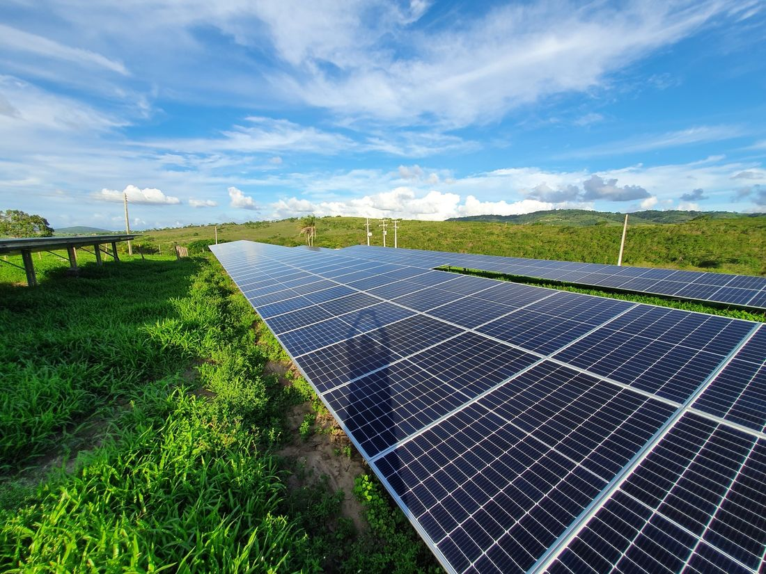 Corrida para garantir subsídio gera disparada nos pedidos de registro de usina solar - https://t.co/MJ66iC0Nzb https://t.co/KXVyeeCZ9f
