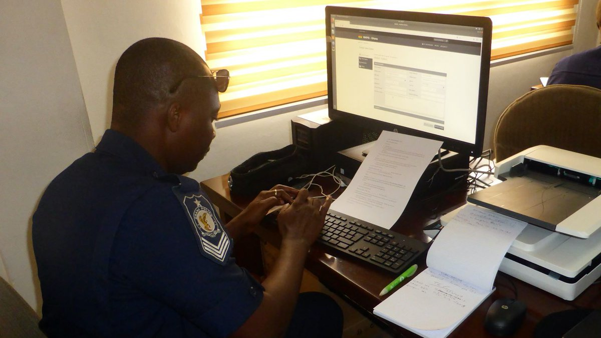 #Ghana🇬🇭: #WAPIS is now connected to I-24/7, INTERPOL's secure police communications system. This achievement will allow law enforcement officers using WAPIS to access INTERPOL's databases and ultimately, reinforce the country's security architecture. #WAPISProgramme