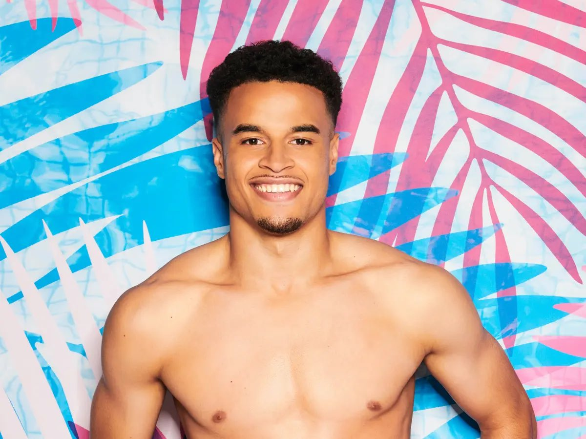 This man has both punch-hole-in-drywall vibes and cry-after-sex vibes #LoveIsland #LoveIslandUK https://t.co/Rqk0ClZp6H