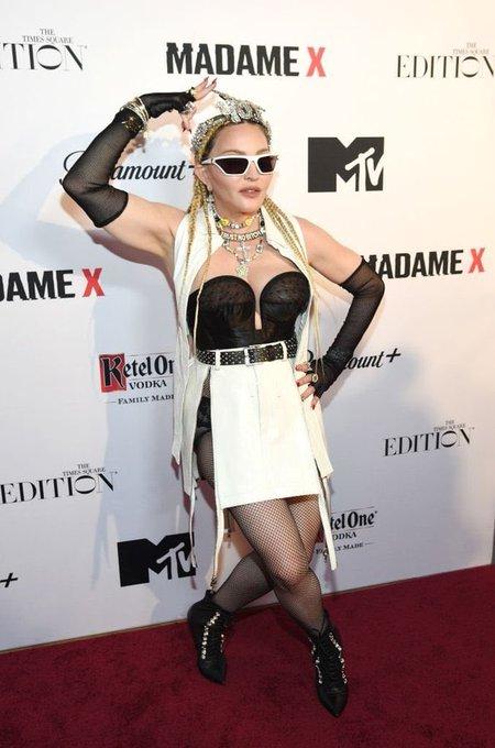 "Madonna >> álbum ""Madame X"" [III] - Página 7 FABEahXWQAANX3E?format=jpg&name=small"