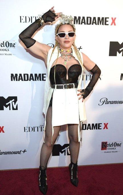 "Madonna >> álbum ""Madame X"" [III] - Página 7 FABEahzUUAEXMtP?format=jpg&name=small"