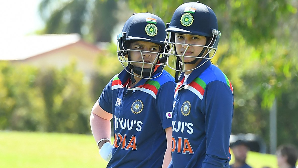 Good start for India in the second ODI.  Shafali Verma and Smriti Mandhana have taken them to 55/0 in 8 overs.  📺 Watch the action on https://t.co/CPDKNx77KV (select regions) 🧮 Follow live: https://t.co/PWbQVjuCNo   #AUSvIND https://t.co/KzLQwiLZtJ