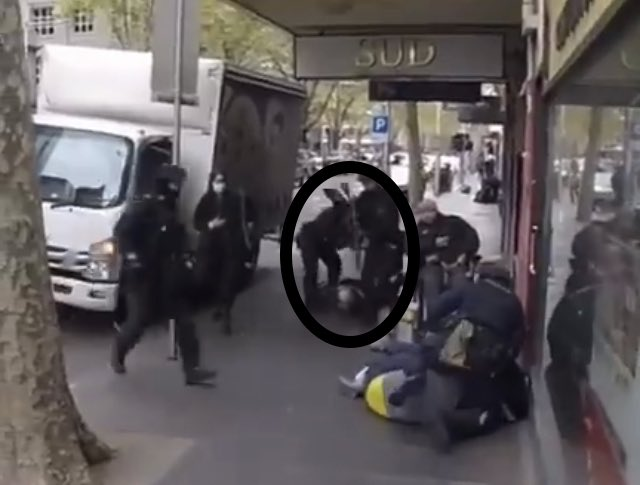 Rifle Butt to the back while being pinned down #Australia #Australie  #MelbourneProtest #MelbourneProtesters #TheFeels #MacmillanCoffeeMorning #fridaymorning #NewMusicFriday