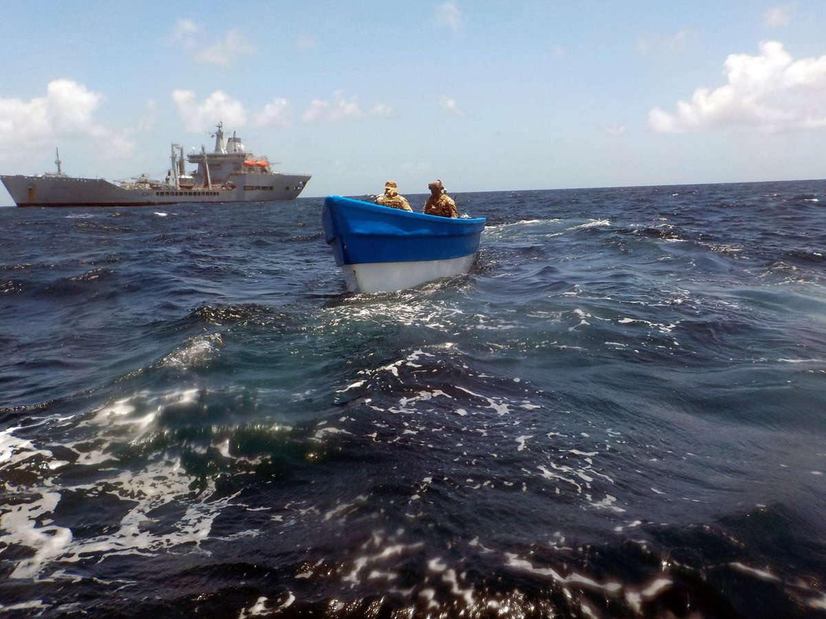 Bustin' makes us feel good! @RFAWaveKnight and her @815NAS Wildcat plus a @USCG team delivered a £17m blow to drug-runners in the #Caribbean. They intercepted a go-fast whose crew attempted to ditch their cargo - but 216kg of cocaine was recovered. 🔗ow.ly/8RYv50GfKOO