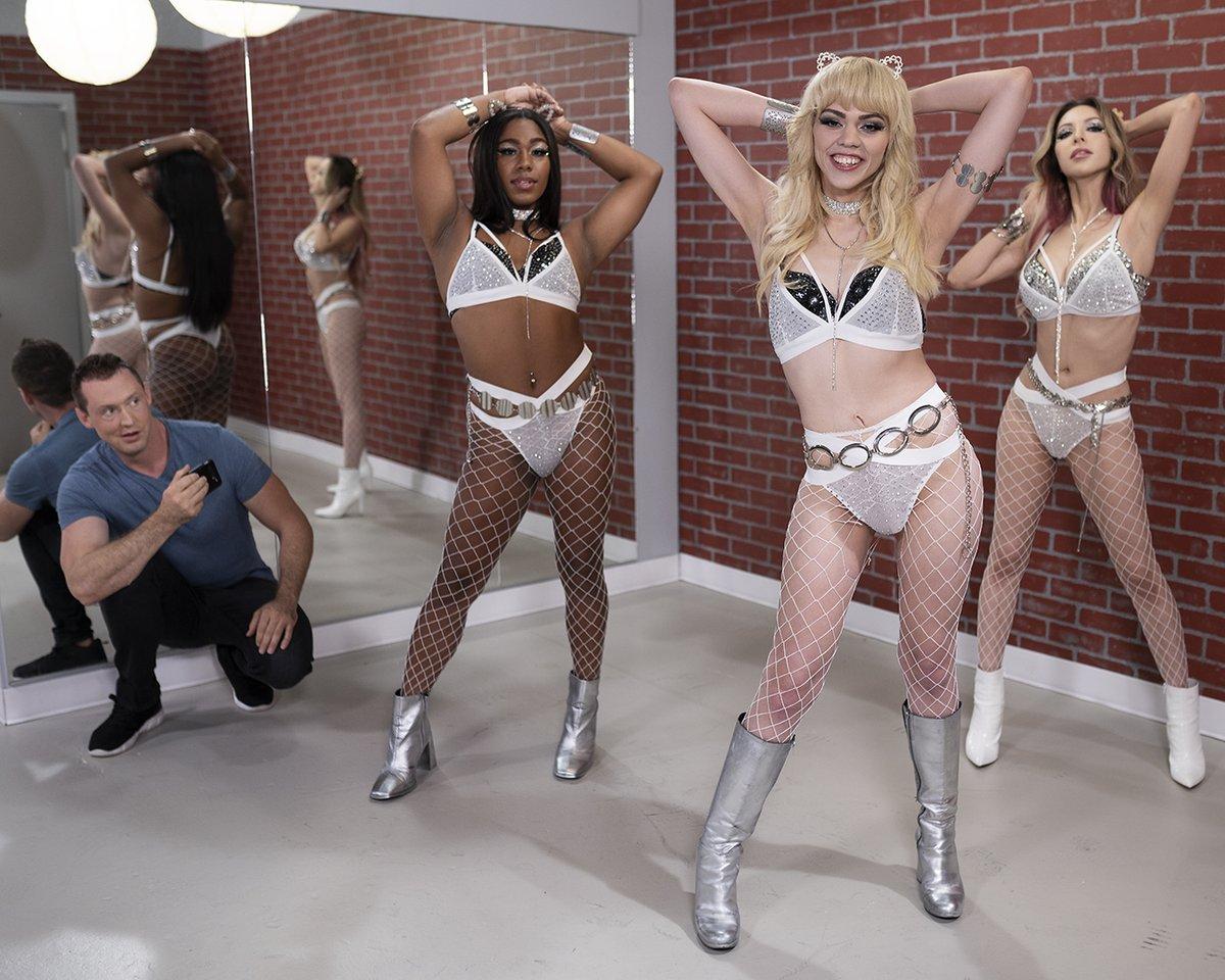 Name this girl group! @KateZoha @Theselenesantos