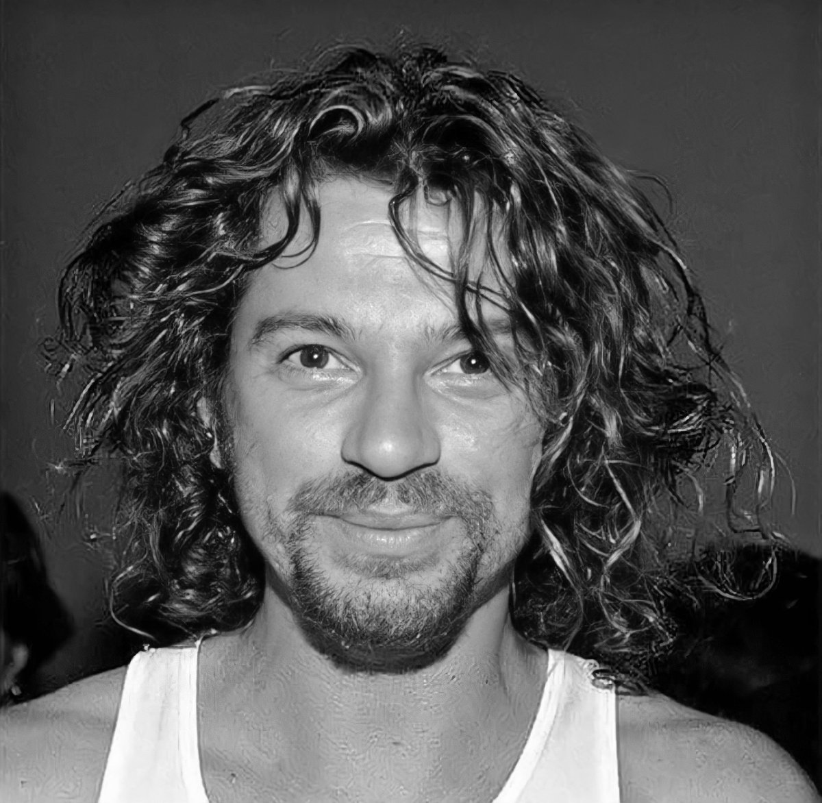 Giving you all Flashback Friday smile from Michael.  Have a wonderful weekend. ✌🏼🎸🎤  #MichaelHutchence #INXS #80s #90s #Rockandroll #Fridayvibes