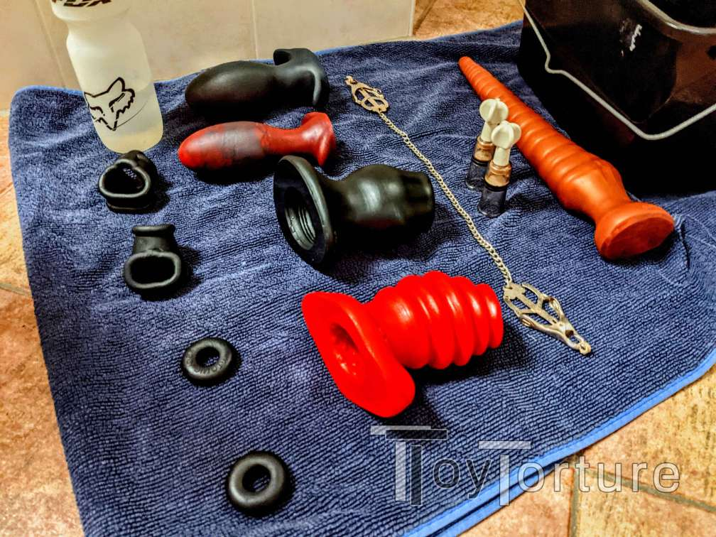 test Twitter Media - Coming home from a business, I was assured in my feeling that @_ADarkGuy_ would know how to pass the time waiting for the tradie with his fav @OxBalls @ToppedToys and @SquarePegToys toys 😈 https://t.co/9SUeJ6RBKr